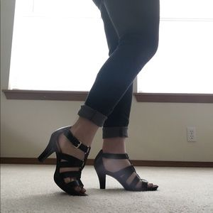 Black heels with gold detailing!
